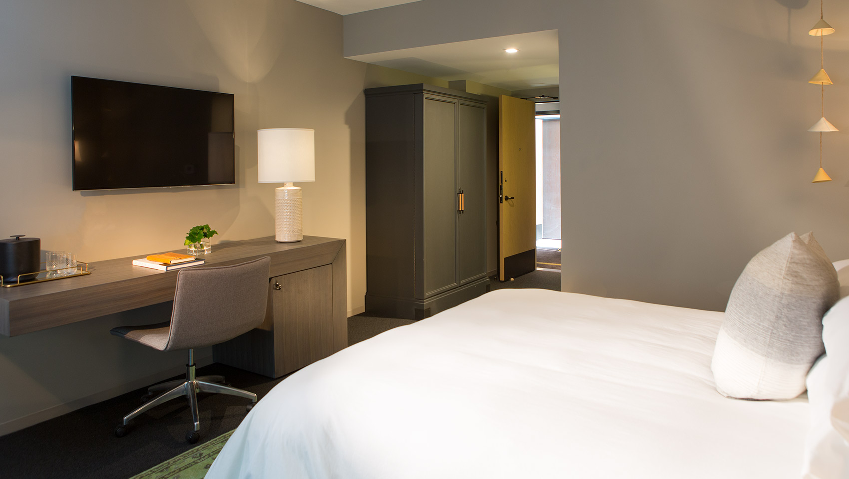 everly hotel accessible accommodations