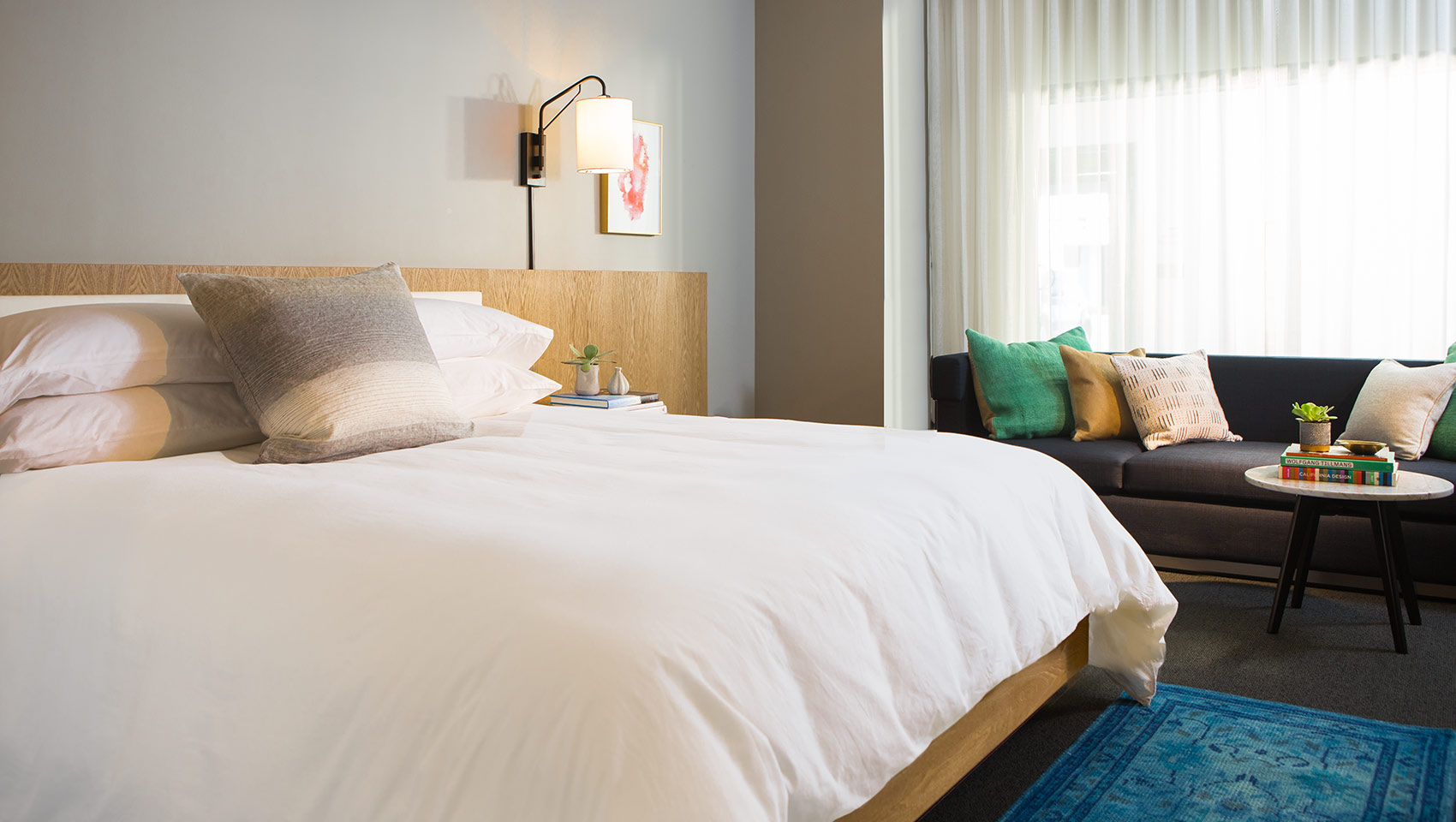 The Kimpton Everly Hotel hollywood king guestroom