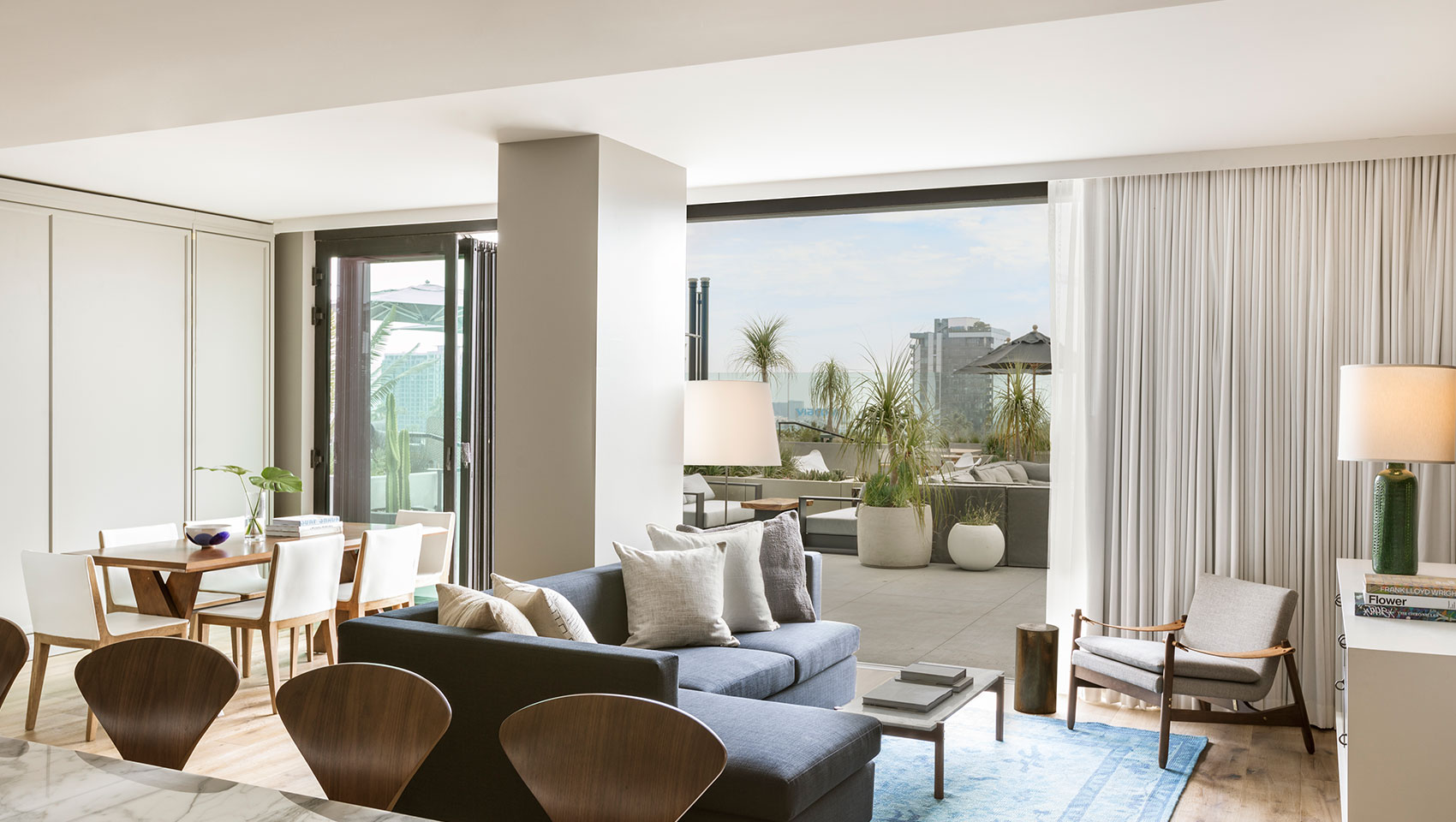 Luxury Hotel Suites | The Kimpton Everly Hotel